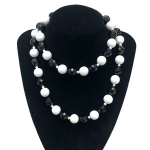 JOAN RIVERS BLACK AND WHITE NECKLACE